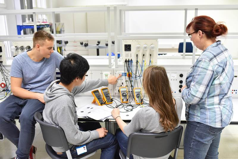 dnc electronic apprenticeships